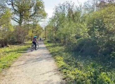 1 minute outside: Woodland bike ride